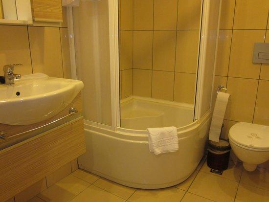 Peri Tower Hotel : Bathroom