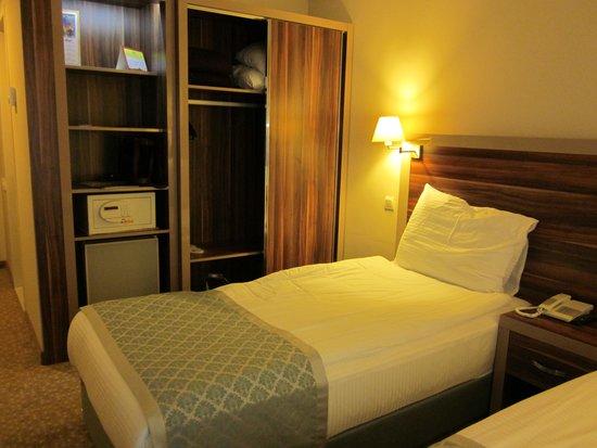 Peri Tower Hotel : Good storage
