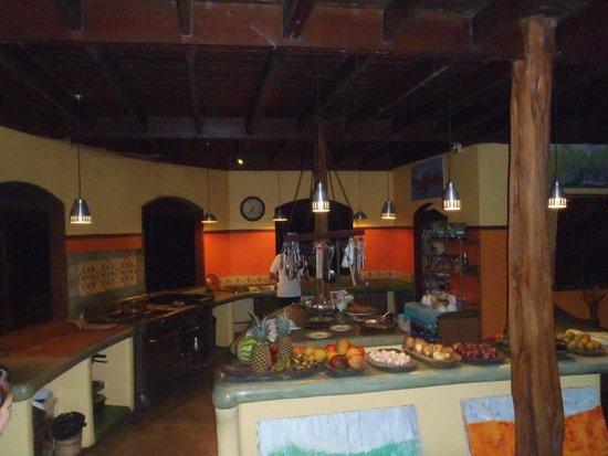 Iguana Lodge: Breakfast/Dinner kitchen - local produce