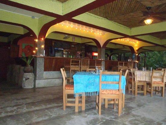 Iguana Lodge: Main restaurant