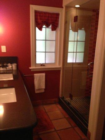 Eden Vale Inn: Bathroom