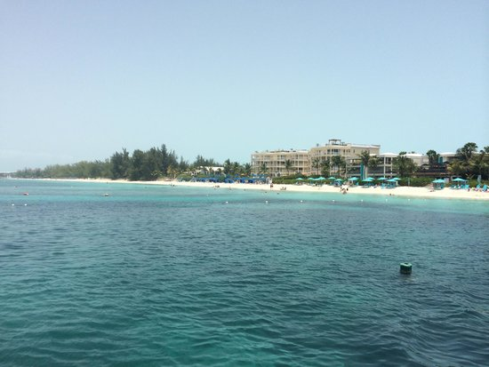 Windsong Resort: Looking back from boat trip.