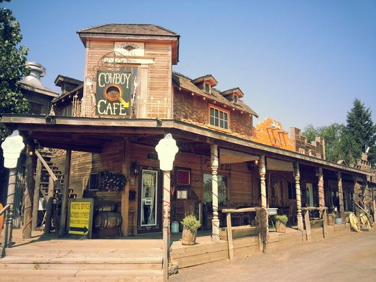 Black Bear Motel: Cowboy Cafe at Black Bear Hotel