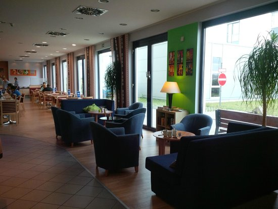 Holiday Inn Express Muenchen Messe : Lounging area