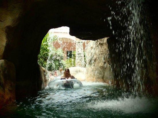 Centara Grand Beach Resort Phuket : waterfall on the tube float pool