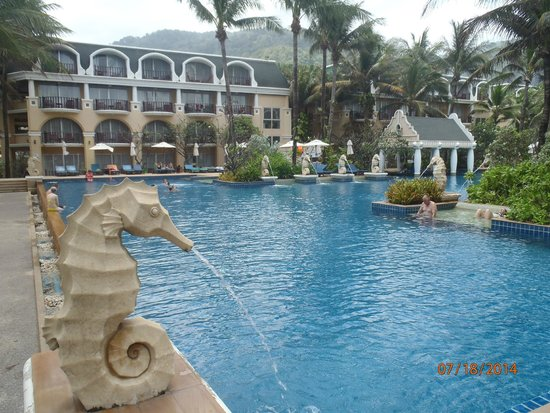 Phuket Graceland Resort & Spa: Main pool