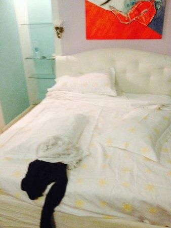 Hotel Emona Aquaeductus : Bed view