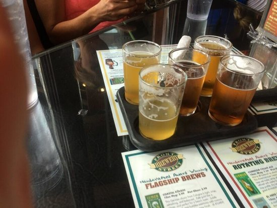 Front Street Brewery: Beer sampler tray