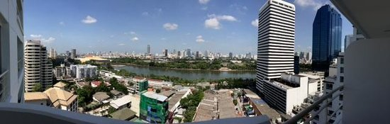 Somerset Lake Point Bangkok : View of Lake from Balcony Room, Tower A