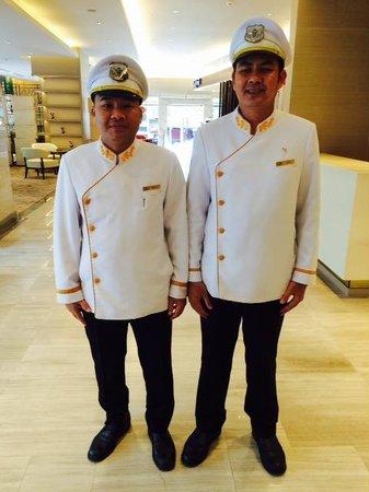 Shama Lakeview Asoke Bangkok: Bell Boys