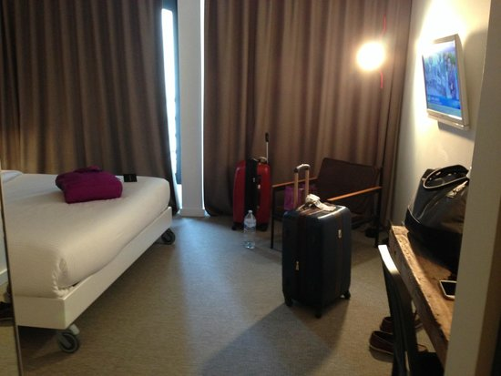 9HOTEL CENTRAL : Room
