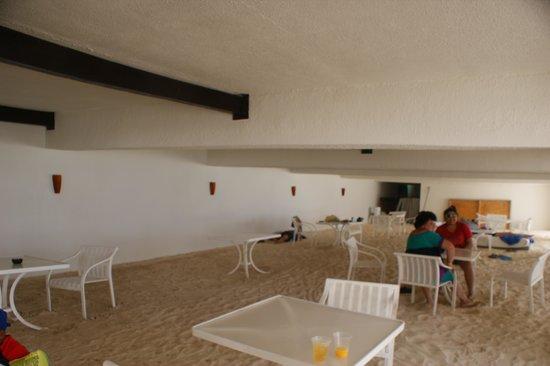 Gran Caribe Resort: y las hamacas y las camas??? pero siguen apareciendo en la pagina de internet