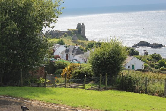 Dunure Inn: Village of Denure, Ayrshire Scotland