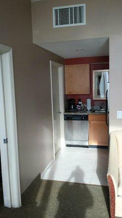 Residence Inn Fort Lauderdale Pompano Beach/Oceanfront : Kitchen