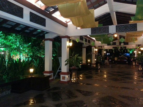 Holiday Villa Beach Resort & Spa Langkawi : Le hall en arrivant