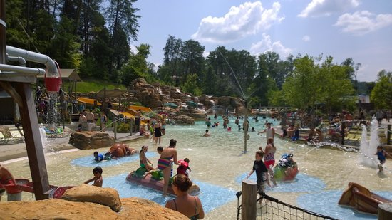 Dollywood's Splash Country Water Adventure Park: The Cascades