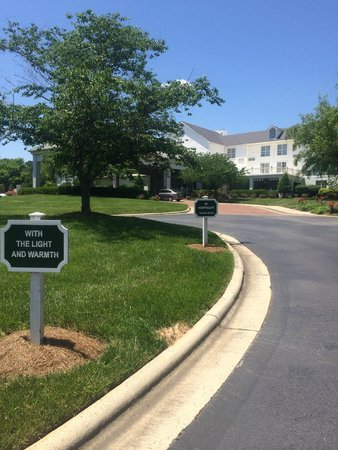DoubleTree by Hilton Hotel Raleigh-Durham Airport at Research Triangle Park: The Hotel between nature...
