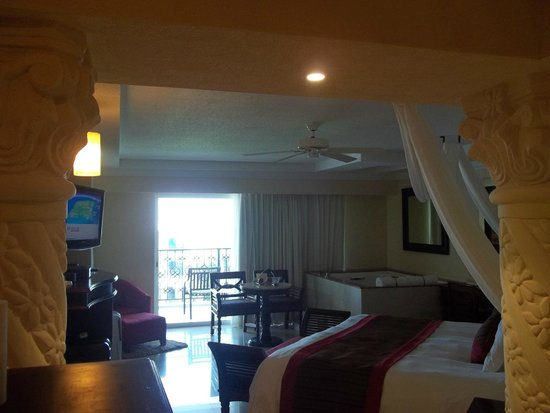 The Royal Playa del Carmen: our room