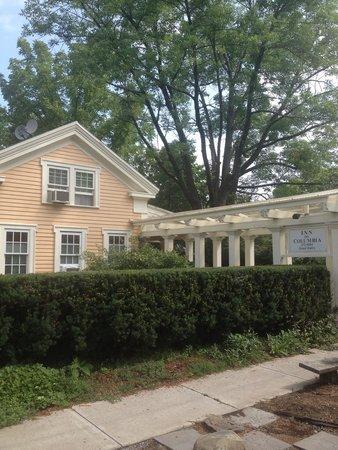 Inn on Columbia: Entrance