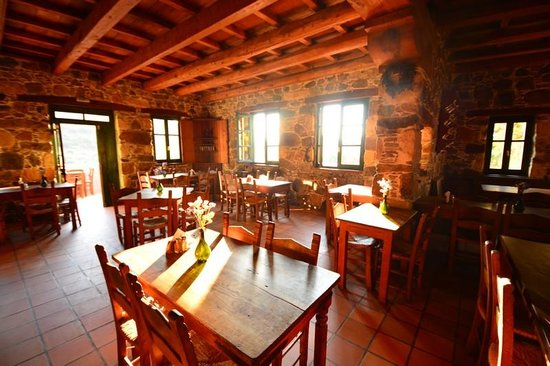 Milia Mountain Retreat: Dinning Restaurant area