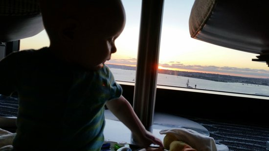 Manchester Grand Hyatt San Diego: watching sunsets with my baby (floor to ceiling windows)
