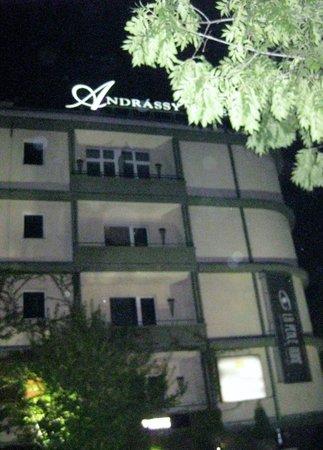 Mamaison Hotel Andrassy Budapest: xoxox