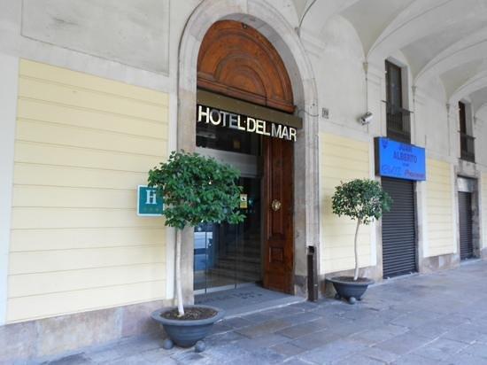 Hotel del Mar: front