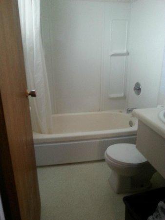 Silver Nugget Motor Hotel Horrible Bathroom