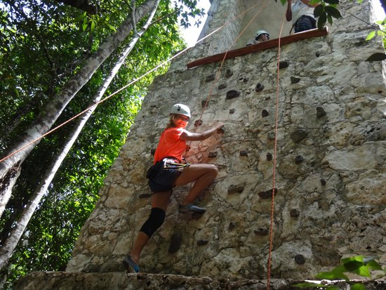 Edventure Tours : Rock climbing the faux Mayan ruin.