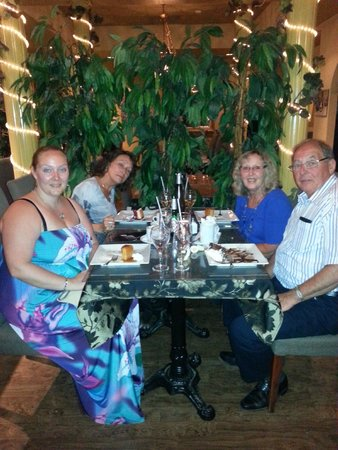 Linguine's Italian Restaurant : Fabulous night with my family.