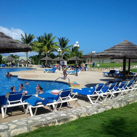 The Verandah Resort & Spa: Bigger Pool