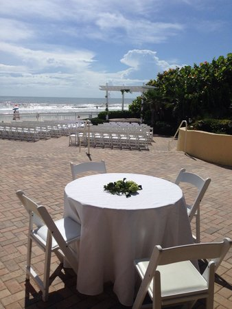 The Shores Resort & Spa : Great outdoor wedding prices