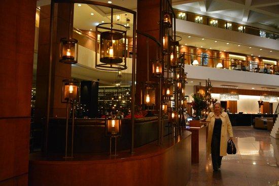Four Seasons Hotel Sydney: Hotel lobby
