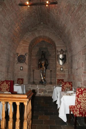 Dalhousie Castle: dungeon restaurant