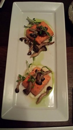 Sake Restaurant & Bar: ora king salmon, excellent