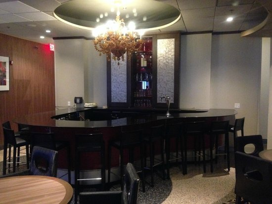 Kimpton Onyx Hotel: bar/dining area