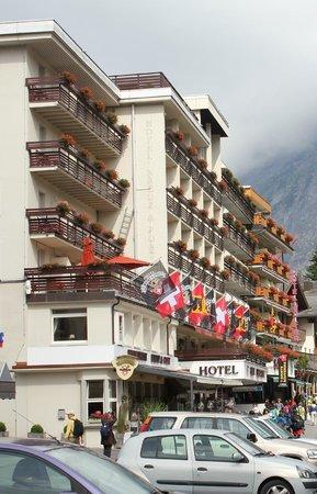 Restaurant Kreuz & Post: Hotel & Restaurant