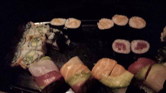 Sushi Yoshi Lake George : sushi boat