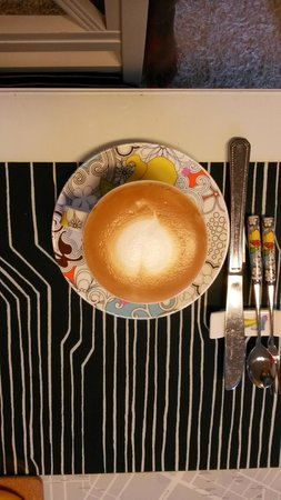 Urbanwood Guesthouse: Cappuccino time
