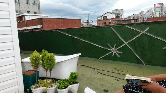 Urbanwood Guesthouse: Rooftop