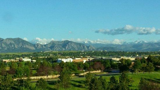 Omni Interlocken Hotel : Mountain View on a clear morning