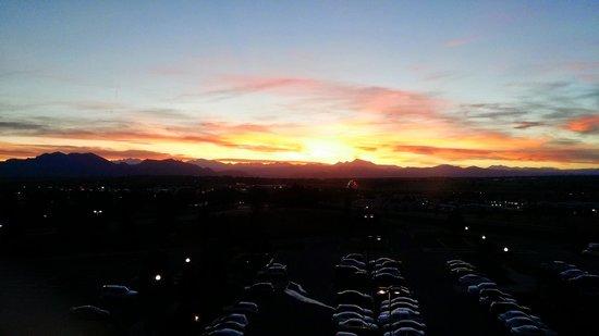 Omni Interlocken Hotel : Mountain View at sunset