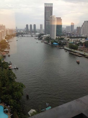 Royal Orchid Sheraton Hotel & Towers : View from our room