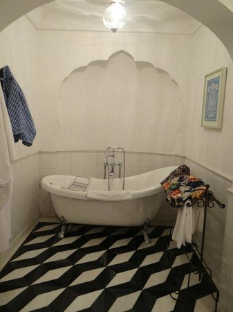 Samode Palace : Luxury Bath