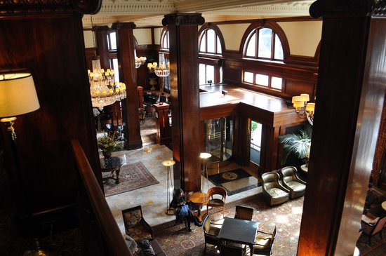 Benson Hotel: A view of the lobby