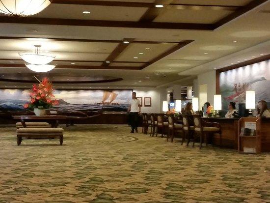 Outrigger Waikiki Beach Resort : Hotel Lobby