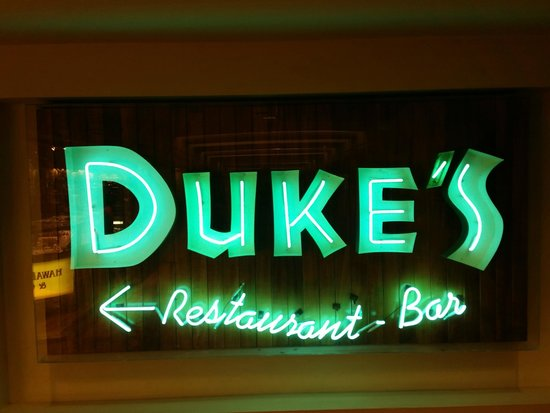 Outrigger Waikiki Beach Resort : Duke's restaurant