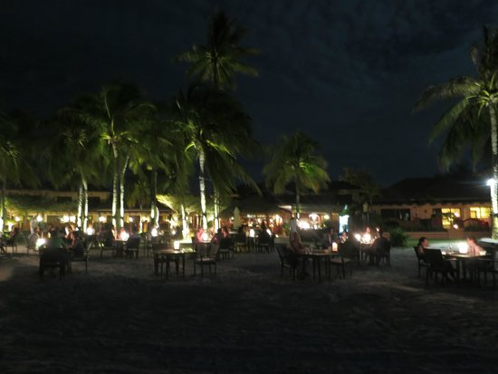Casa del Mar, Langkawi : Night time dining on the beach