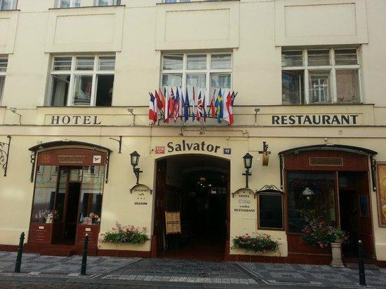 Hotel Salvator: Vista di fronte