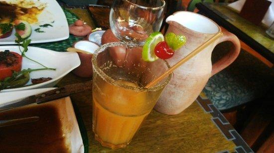El Indio Feliz Restaurant Bistro: Naranja con Soda